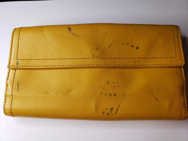 Gucci Mustard Yellow Leather with Crest Wallet Gucci Mustard Yellow Leather with Crest Wallet Image 8