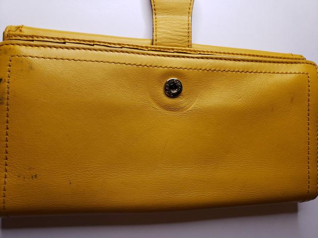 Gucci Mustard Yellow Leather with Crest Wallet Gucci Mustard Yellow Leather with Crest Wallet Image 10