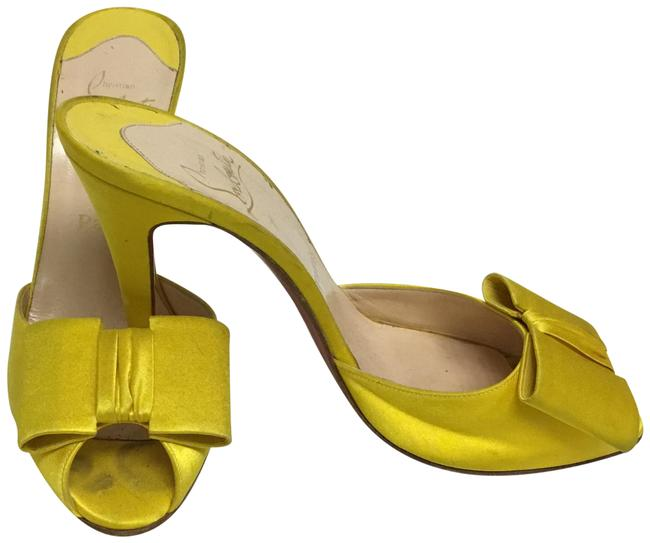 Item - Yellow Slip On with Bows Mules/Slides Size EU 39.5 (Approx. US 9.5) Regular (M, B)