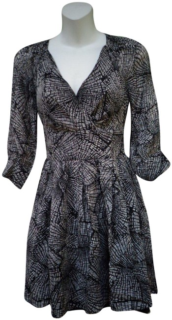 Item - Black and Beige Silk 3/4 Length Sleeve Short Night Out Dress Size Petite 0 (XXS)