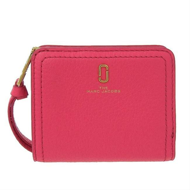 Item - Pink The Soft Shot Leather Compact Bi-fold M0015122 Wallet