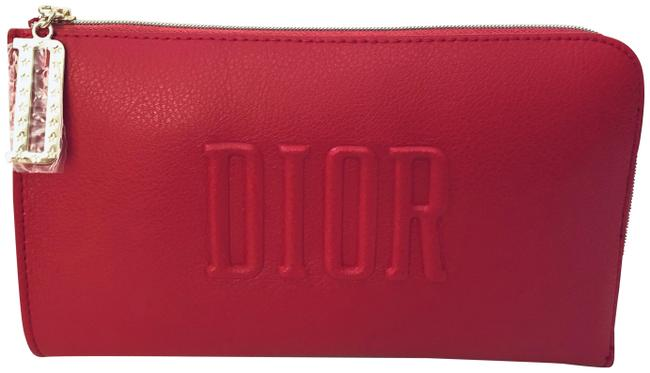 Item - Purse / Handbag / Cosmetic / Pouch Red Weekend/Travel Bag