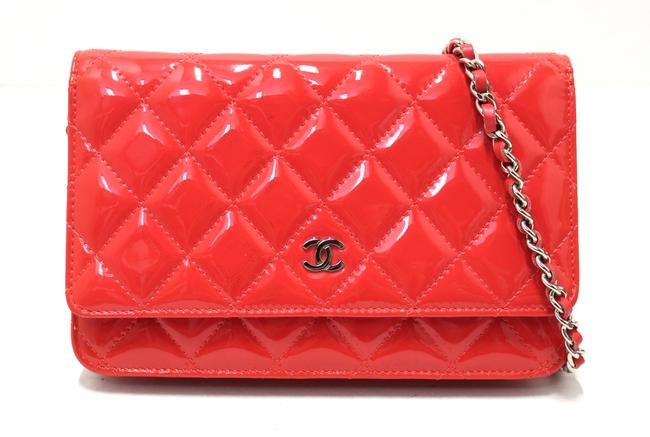 Item - Chain Wallet on Woc Red Patent Leather Messenger Bag