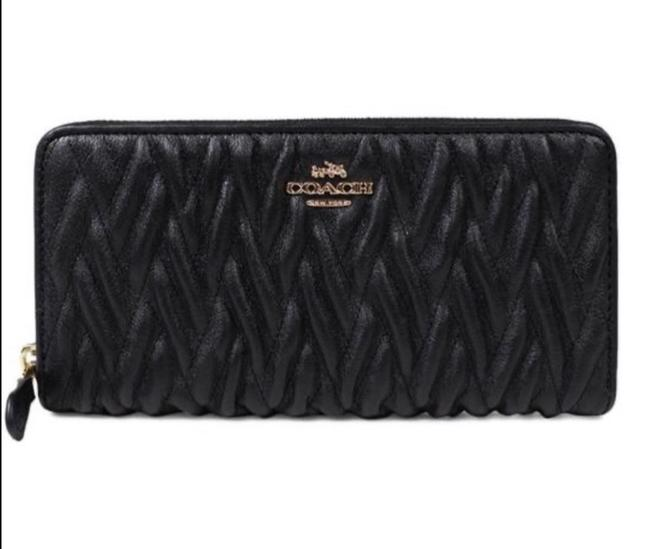 Item - Black Twist Madison Zip In Gathered Leather Wallet
