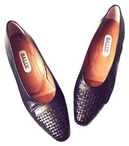 Bally Vintage Woven Leather Soft Black Pumps