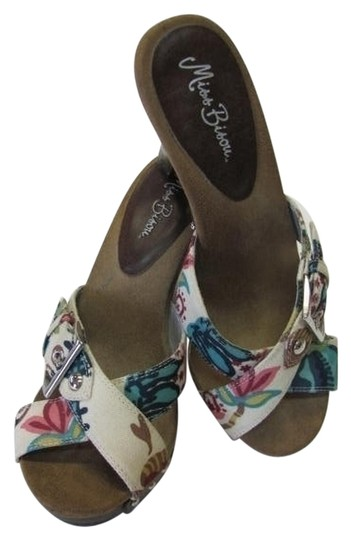 Other Good Condition Size 8m neutral, pink, brown, aqua, navy Platforms