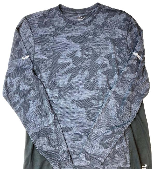 Item - Gray Camo Athletic Shirt Activewear Outerwear Size 8 (M)