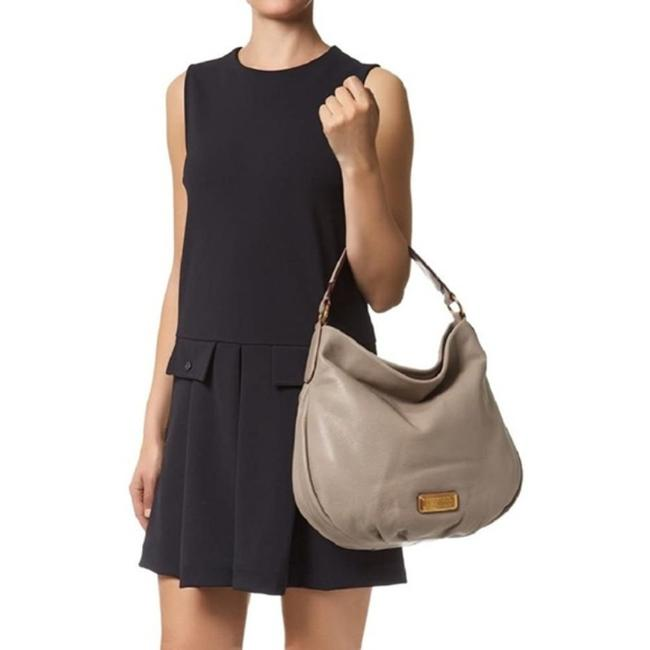Item - New Q Hillier Cement Grey Leather Hobo Bag