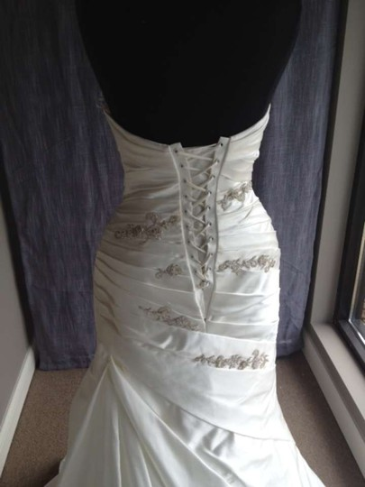 Pronovias Off White Portal Wedding Dress Size 8 (M)
