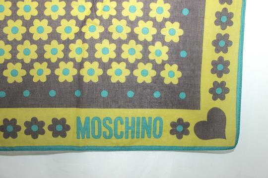 "Moschino MOSCHINO PRINTED COTTON SCARF 26.5"" X 27"""