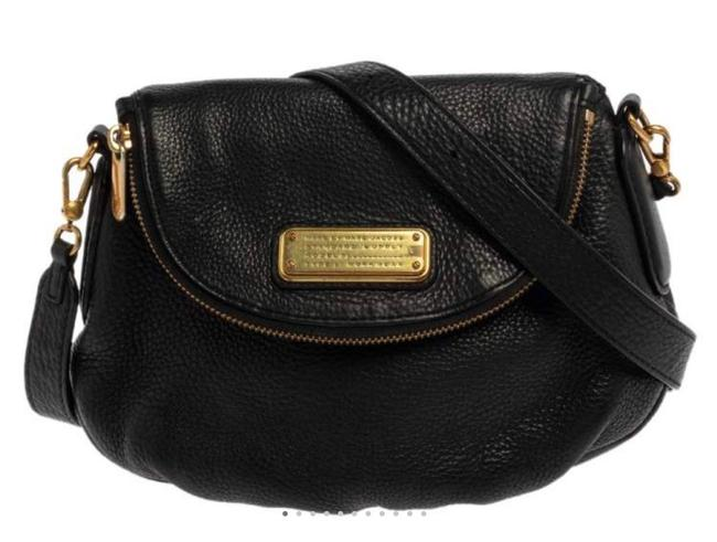Item - Black and Gold Purse Built For Everyday Use This Classic Q Natasha Is Creation. It A Cross Body Bag