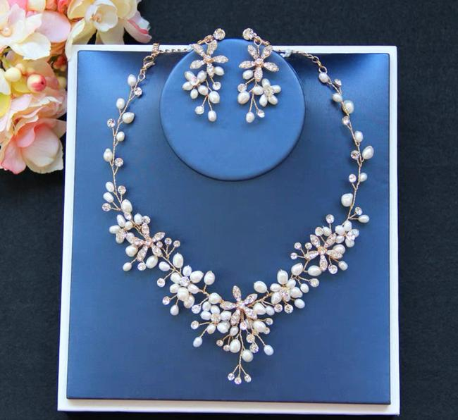 Item - Bride Necklace Earring New Jewelry Set