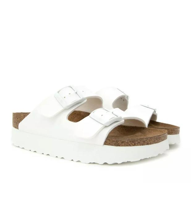 Item - White Sandals Size US 10 Narrow (Aa, N)