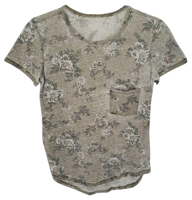 Item - Green Aeo Front Pocket Floral Sleeve S Tee Shirt Size 4 (S)
