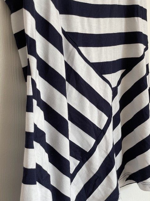 Bobeau Navy and White Striped Tank Top/Cami Size 6 (S) Bobeau Navy and White Striped Tank Top/Cami Size 6 (S) Image 3