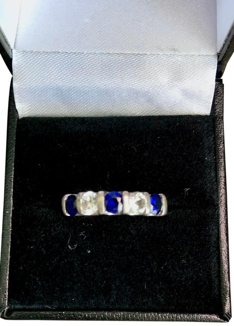 Item - Sterling Silver Sapphire Ring