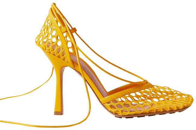 Item - Bright Yellow Lace-up Leather-trimmed Mesh Pumps Size EU 39.5 (Approx. US 9.5) Regular (M, B)