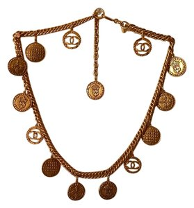 Chanel RARE CHANEL SEASON 28 GOLD PLATED MEDALLION CHARM NECKLACE