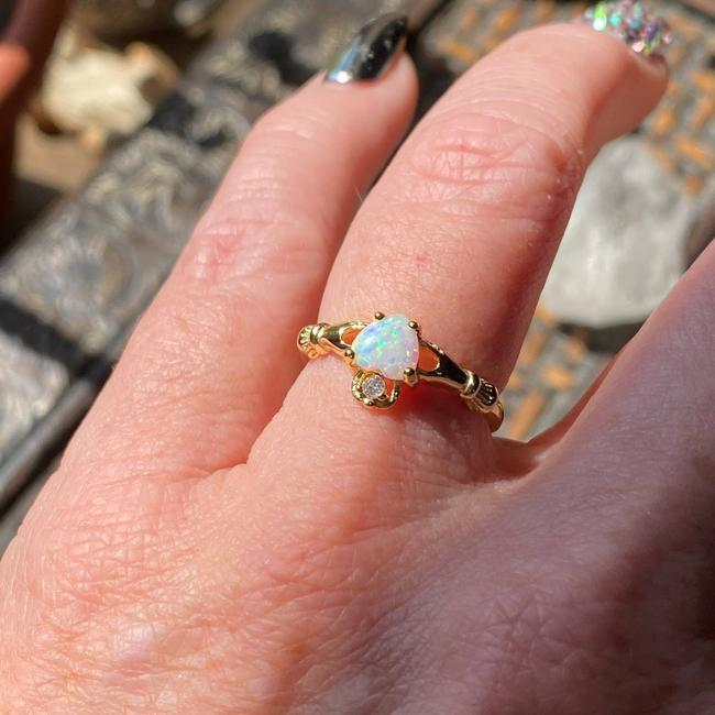Item - Sterling Silver Gold White Opal Claddagh Cz Size 7 Ring