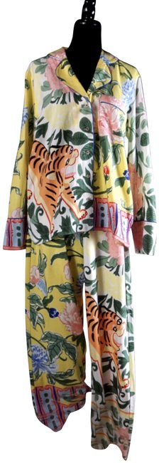 Item - Yellow Tiger Flannel Pajama Set New M Button-down Top Size 10 (M)