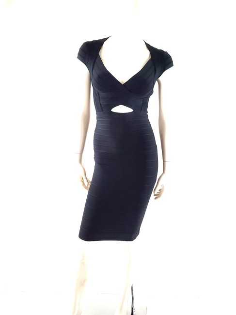 Item - Black Cara V Neck Cut Out Knee Length Short Sleeve Mid-length Cocktail Dress Size 0 (XS)