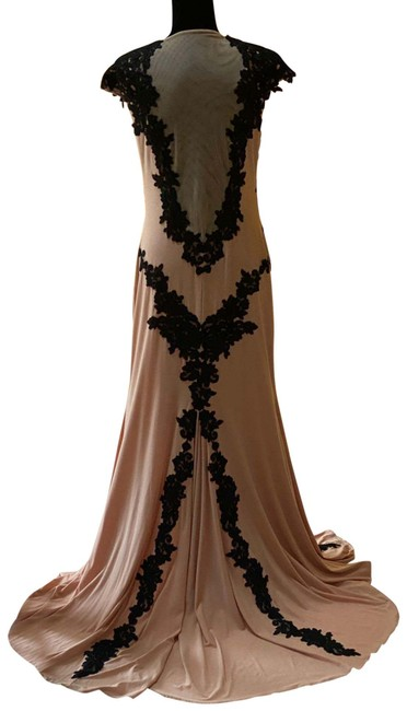 Item - Nude and Black Mermaid Gown Long Formal Dress Size 12 (L)