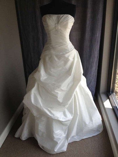 Pronovias Off White 5034 Wedding Dress Size 10 (M)