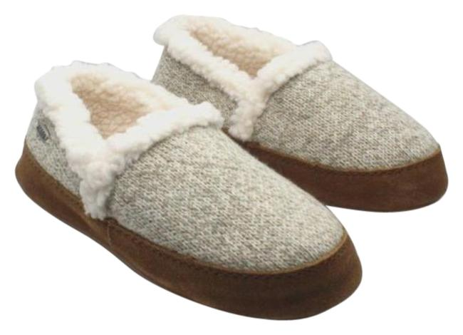 Item - White Women's Moccasin Slippers Women's Boots/Booties Size US 7 Regular (M, B)