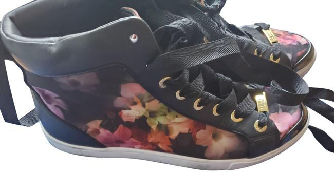 Item - Floral Magdaelaine Sneakers Size US 9 Regular (M, B)