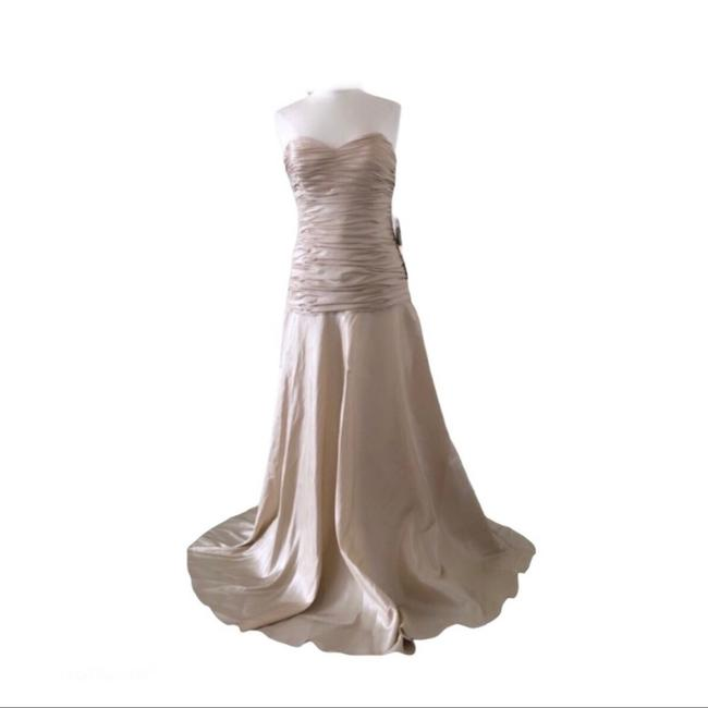 Item - Cream / Dark Ivory Spring Formal Bridesmaid/Mob Dress Size 10 (M)