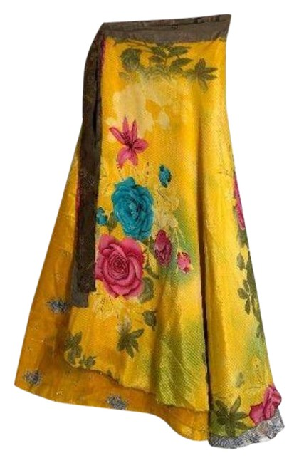 """Item - Yellow Orange W L Sari Wrap Reversible 37""""L 46""""W Large Roses and India Scene 2side Skirt Size OS (one size)"""