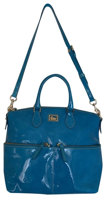 Item - Crossbody Aqua/Teal and Handbag. Can Be Carried Or Worn On Or As An Adjustable Crossbody. Teal Patent Leather Shoulder Bag