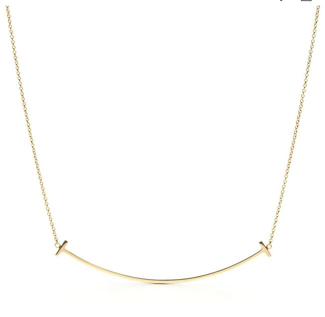 Item - Gold Large 18k Yellow T Smile Pendant Necklace