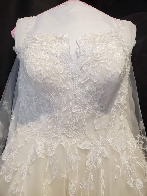 Item - Off White Lace & Illusion 91512001.665.44 Formal Wedding Dress Size 12 (L)