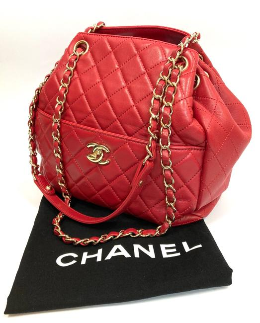 Chanel Chain Bucket Quilted Red Lambskin Leather Cross Body Bag Chanel Chain Bucket Quilted Red Lambskin Leather Cross Body Bag Image 10
