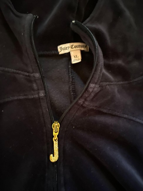 Item - Black Velour Sweatshirt/Hoodie Size 18 (XL, Plus 0x)
