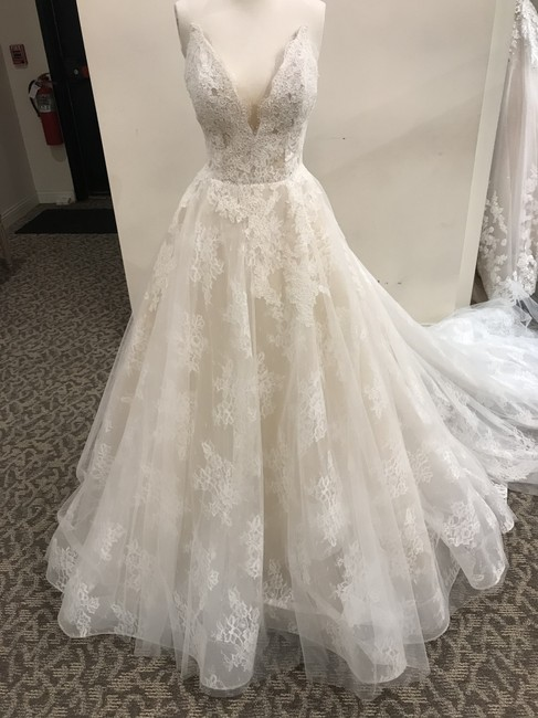 Item - Ivory/Light Nude Lace/Tulle Overlay 19102 Formal Wedding Dress Size 12 (L)