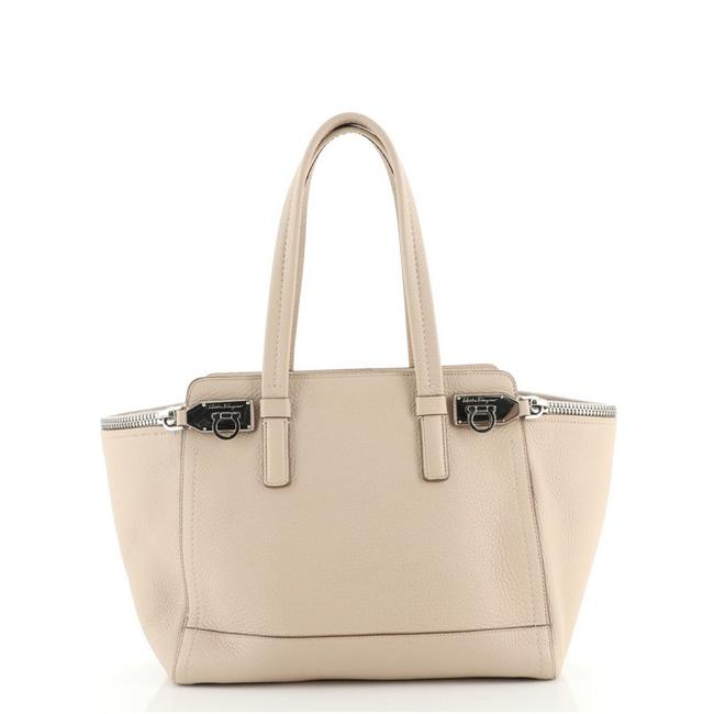 Item - Neutral Leather Tote