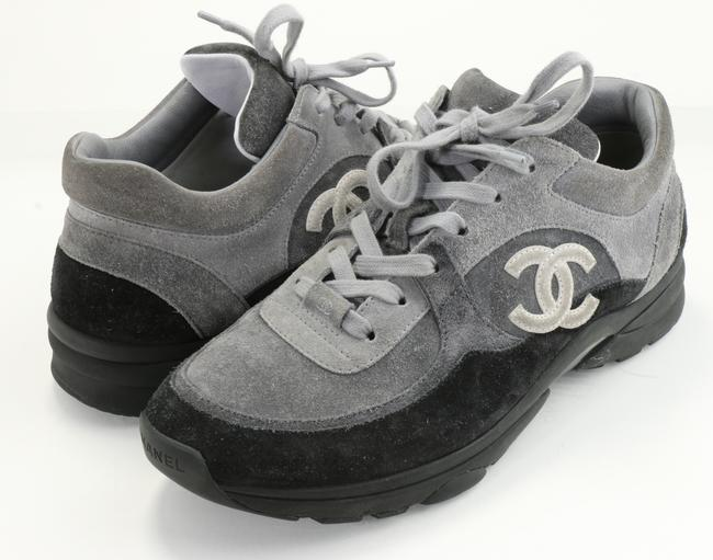 Item - Gray Low Top Sneakers Shoes