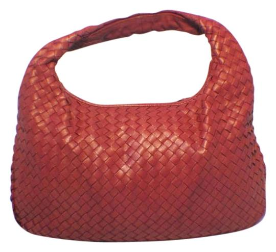 Preload https://img-static.tradesy.com/item/290882/bottega-veneta-woven-red-leather-shoulder-bag-0-0-540-540.jpg
