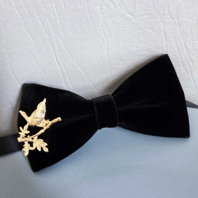 Item - Black New Gold Bird Branch Charm Velvet Formal Gift Tie/Bowtie