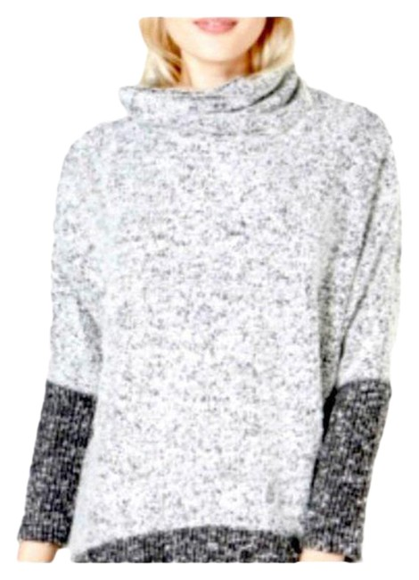 Item - Cowl Neck Boucle Color Block Sweater Silver Gray Top