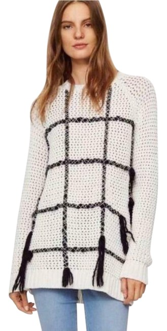 Item - Embroidered Grid Pattern Fringe White Sweater