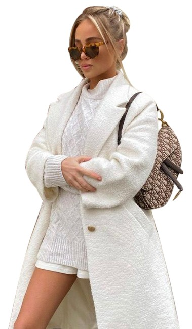 Item - White Tweed Textured with Gold Button Coat Size 2 (XS)