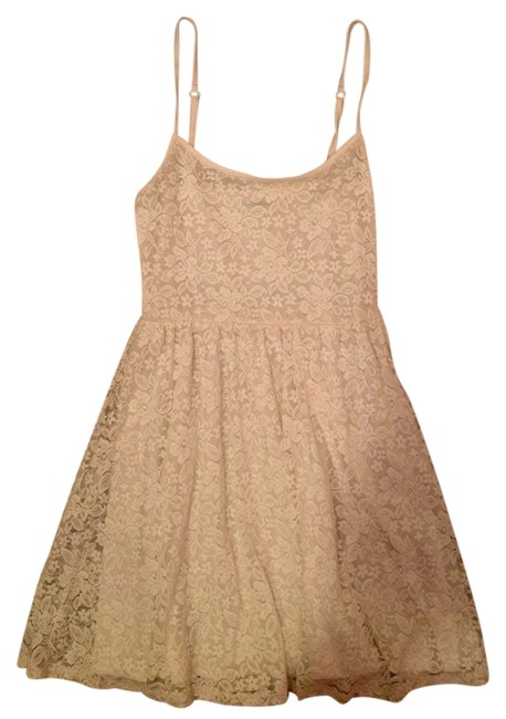 Preload https://item4.tradesy.com/images/garage-white-lace-mini-short-casual-dress-size-0-xs-2909083-0-0.jpg?width=400&height=650