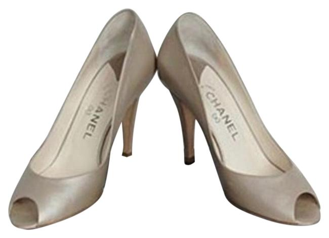 Item - Beige Ouvertes Pumps Size EU 39.5 (Approx. US 9.5) Regular (M, B)