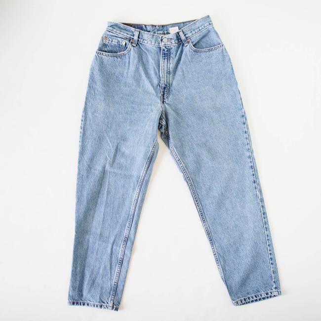 Item - Blue Light Wash Classic 550 Relaxed Denim Skinny Jeans Size 30 (6, M)