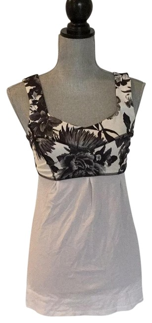 Item - Black and White Activewear Top Size 6 (S)