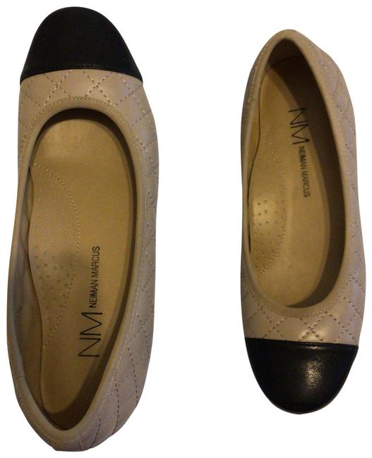 Item - Beige/Black Two Tone and Previously Used But In Great Condition Flats Size US 7 Regular (M, B)