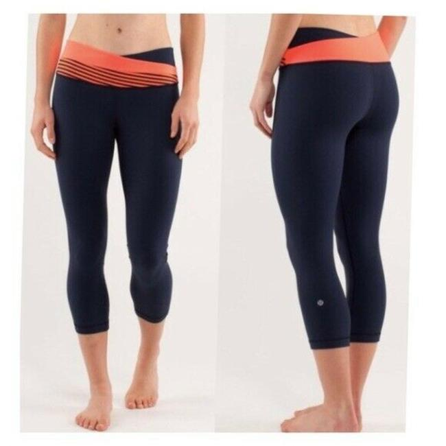 Item - Blue Cropped Activewear Bottoms Size 6 (S, 28)